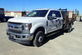 2019 Ford F350 SD XLT Super Crew Cab 4x4 DRW Deck Truck. VIN 1FT8W3DT1KEF30653.