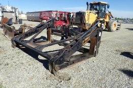 Brandt WL0200-PG120-72 QA Grapple Attachment for JD 644K Loader. NOTE: REMOVAL AUG 17TH.