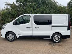 UNRESERVED RENAULT TRAFFIC 6 SEATER CREW VAN.COMPANY DIRECT.LOCATION NORTH YORKSHIRE.