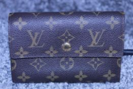 RRP £750 Louis Vuitton Brown Coated/Monogram Canvas 15X9.5X3Cm Golden Brass Hardware Trifold Wallet.