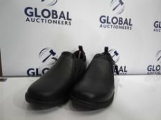 RRP £150 Lot To Contain 3 Boxed Clarks Shoes