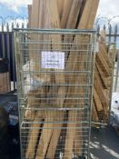Combined RRP £400 Pallet To Contain Approximately 40 Boxes Gold Designer Curtain Poles