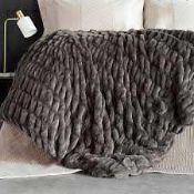 Combined RRP £120 Lot To Contain Bagged And Zipped Kelly Hoppen Faux Fur Ruched Throw And Finest Bed