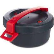 RRP £100 Boxed Duromatic Microwave Pressure Cooker In Grey And Red