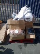 Combined RRP £900 Pallet To Contain Duvet Food Mats Bedding Bins Wall Art And Clothing