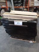 Combined RRP £1000 Pallet To Contain Bulk Lot Of Led-Illuminated Grass,