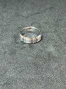 RRP £1100 18ct White Gold Gents Diamond Cut Design Wedding Ring (Appraisals Available On Request) (