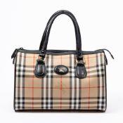 RRP £890 Burberry Rare Vintage Burberry's Boston Bag in Beige/Black AAP8310 Grade AB Please