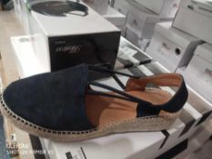 RRP £300 Lot To Contain 5 Boxed Pairs Of John Lewis And Partners Ladies Shoes By Nuria, Kourtney,Len