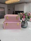 RRP £120 Lot To Contain 1 Unboxed Set Of 2 Amanda Holden Bundleberry Pink Nest Of Boxed