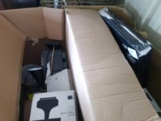 RRP £500 Pallet To Contain Assorted John Lewis Ceiling/Wall Lighting And Table Lamps