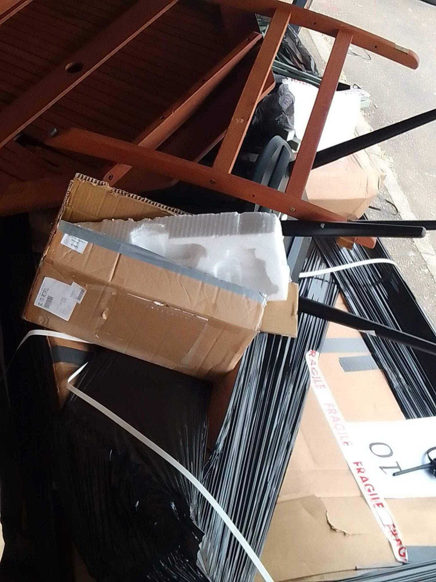 RRP £400 Pallet To Cotnain Part Lot John Lewis Furiture To Include Dark Wooden Bed And Mixit