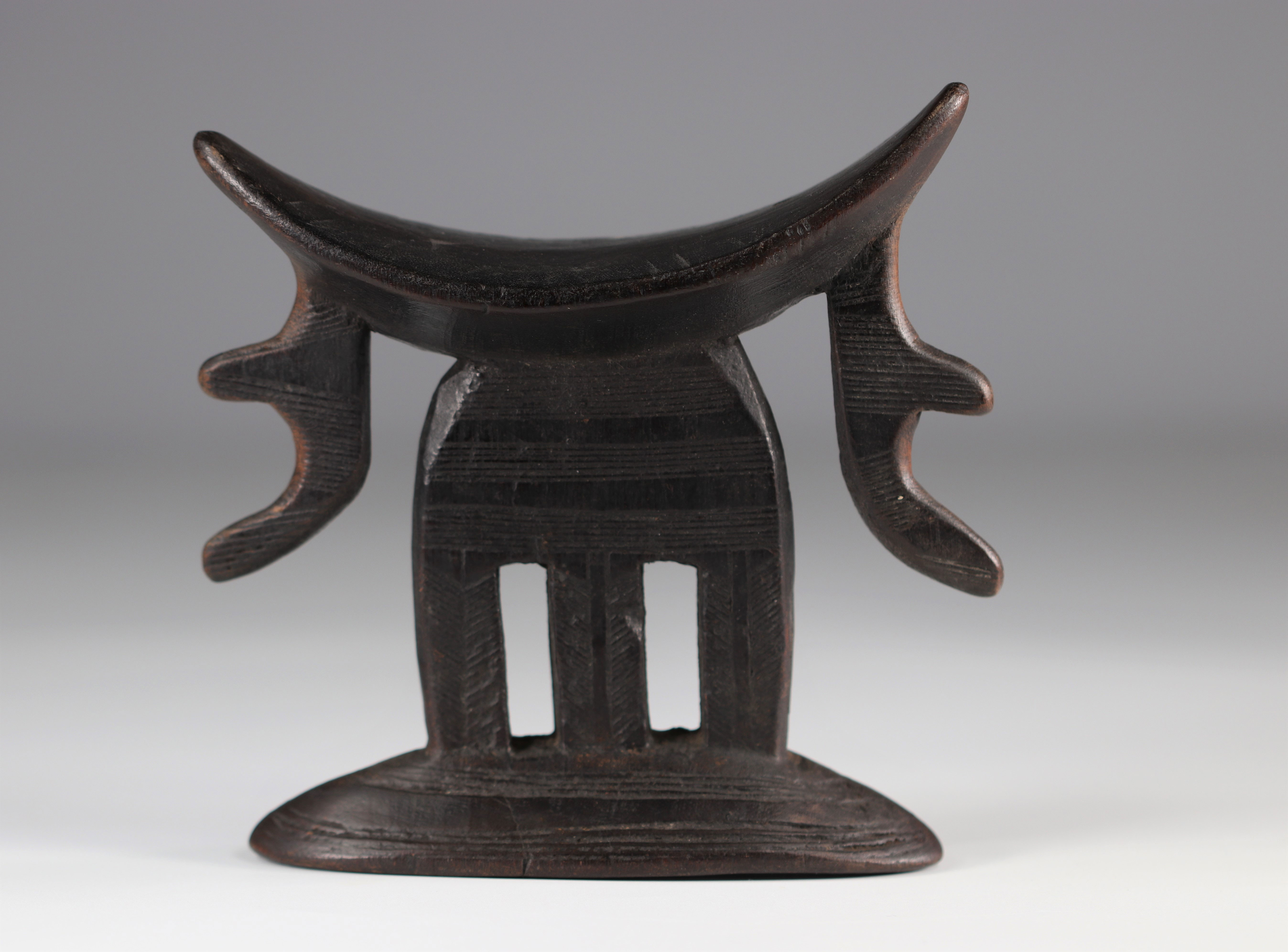 Neck support Beautiful patina of use - Ethiopia - good condition 1st half of the 20th century - Image 3 of 3