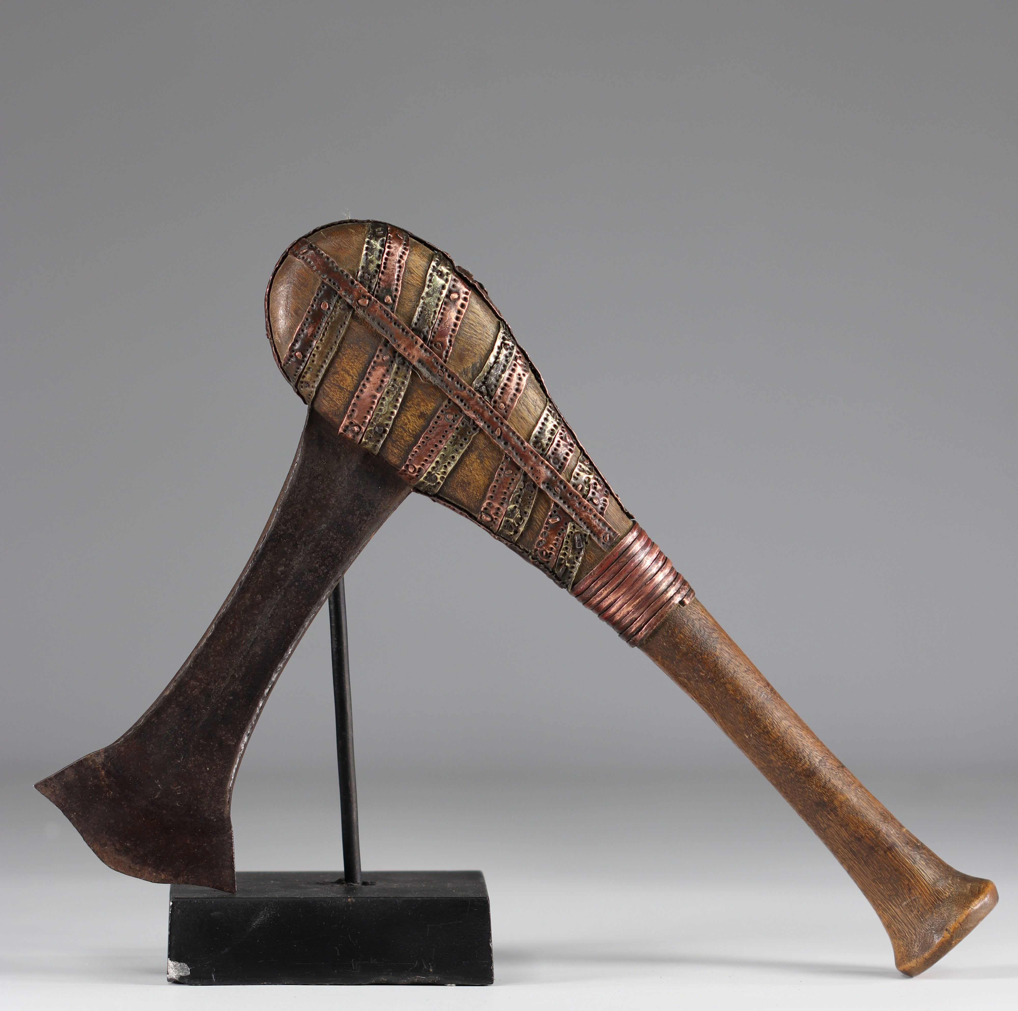 Tchokwe ax - early 20th century - DRC - Africa - Image 2 of 2