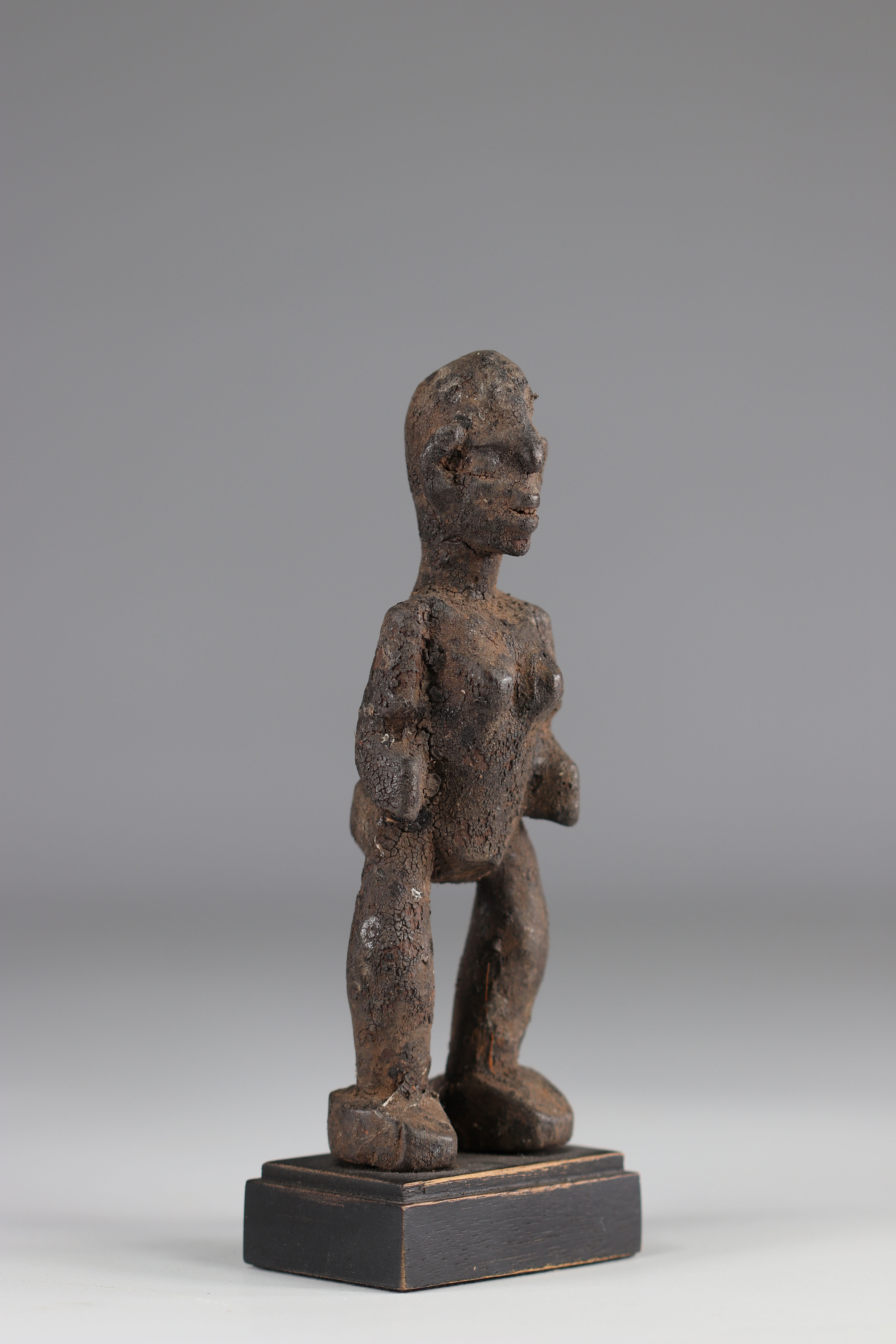 Kassena-Rare statuette and old Kassena statuette (Burkina Faso). Dense wood covered with a thick sac - Image 2 of 4