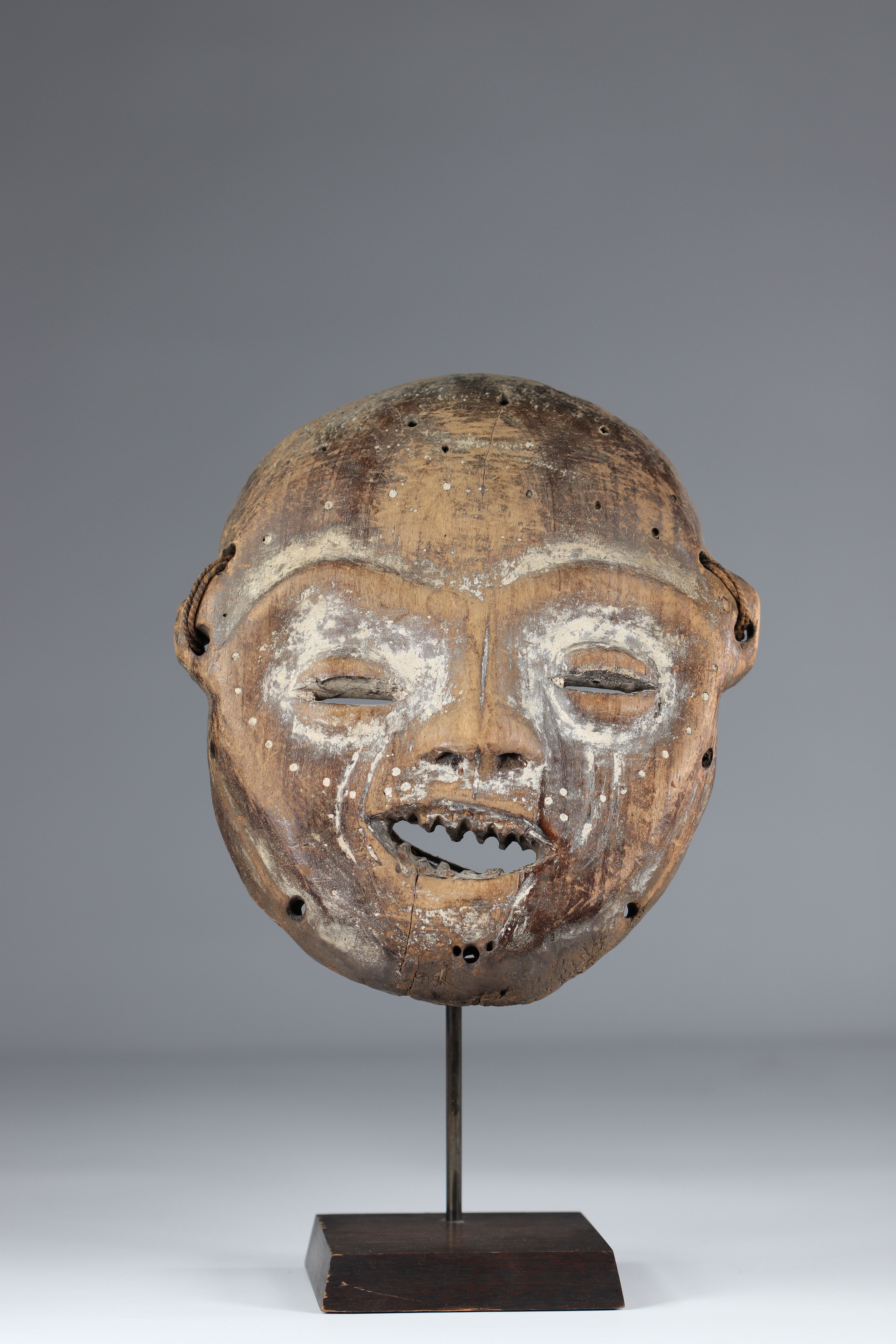 Yela RDC mask mid20th private collection