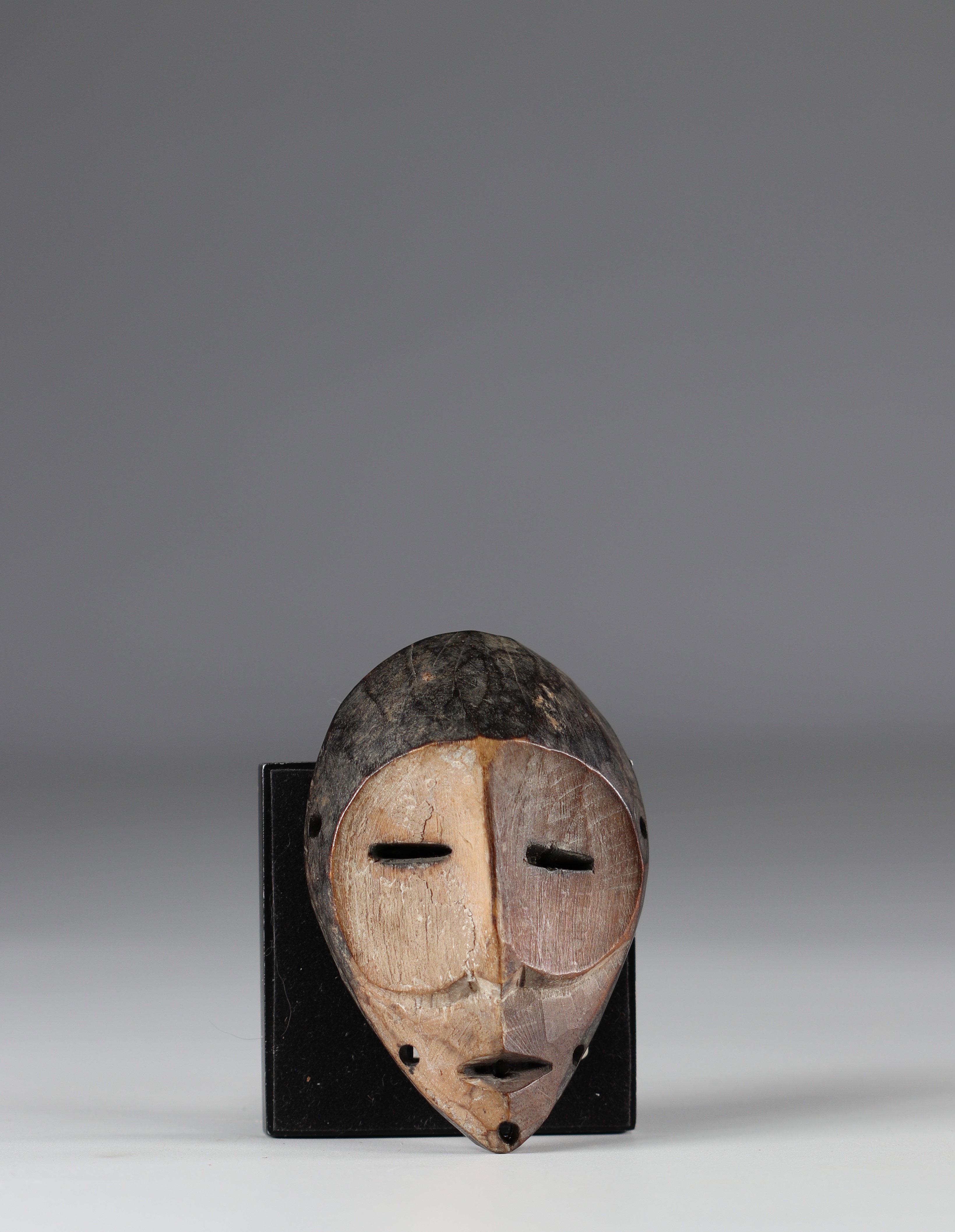 Small Lega mask - mid 20th century