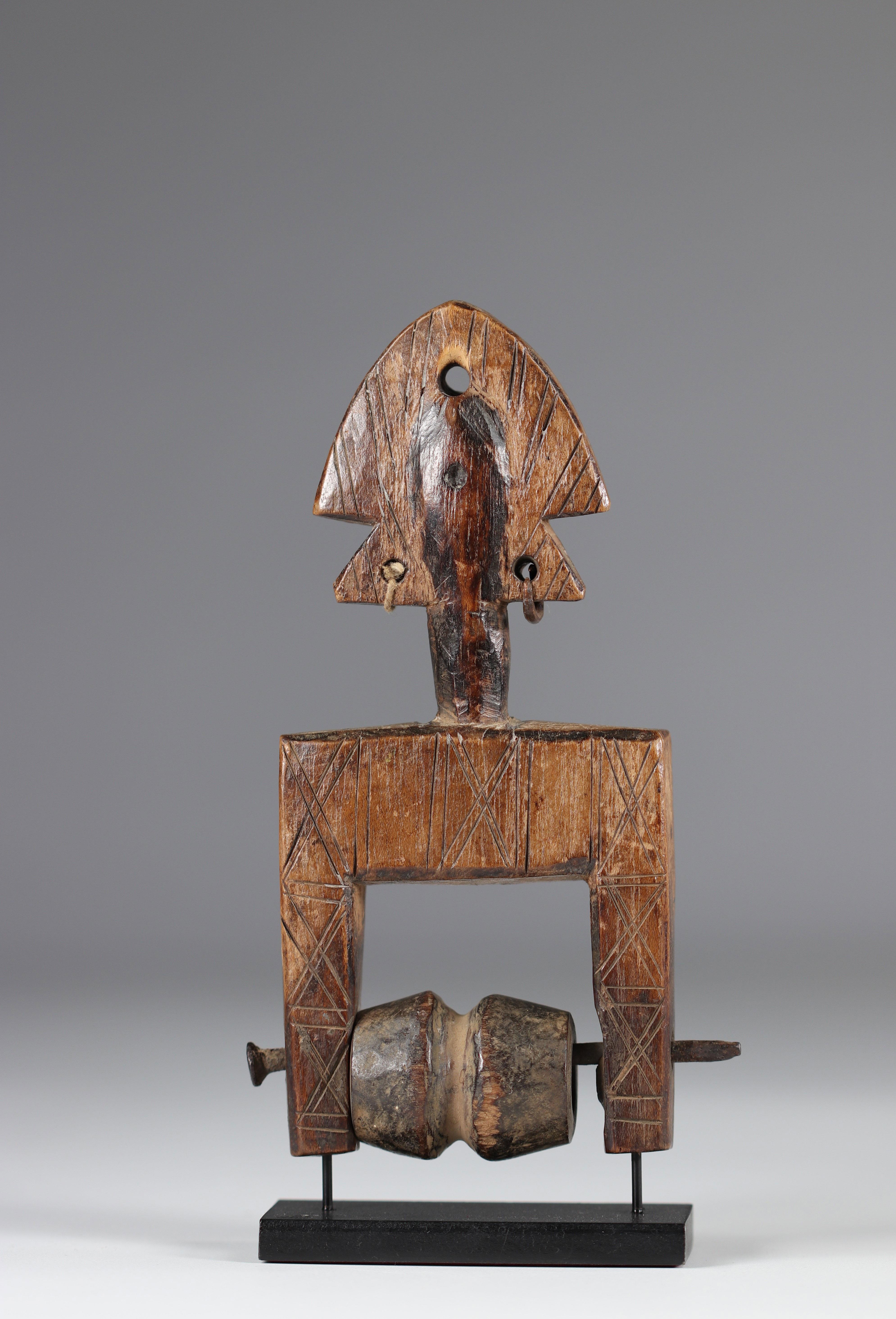 Bamana Ivory Coast mid 20th century pulley - Image 5 of 5