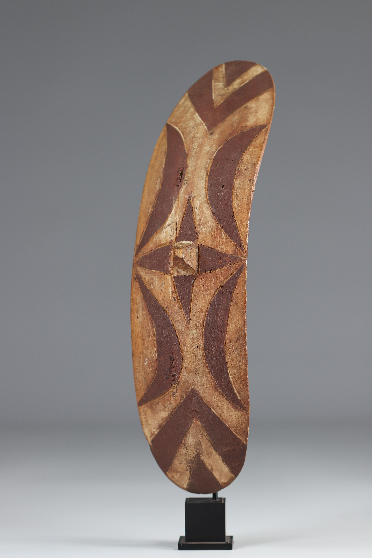 Tutsi dance shield - Rwanda - Mid 20th century - Image 2 of 3