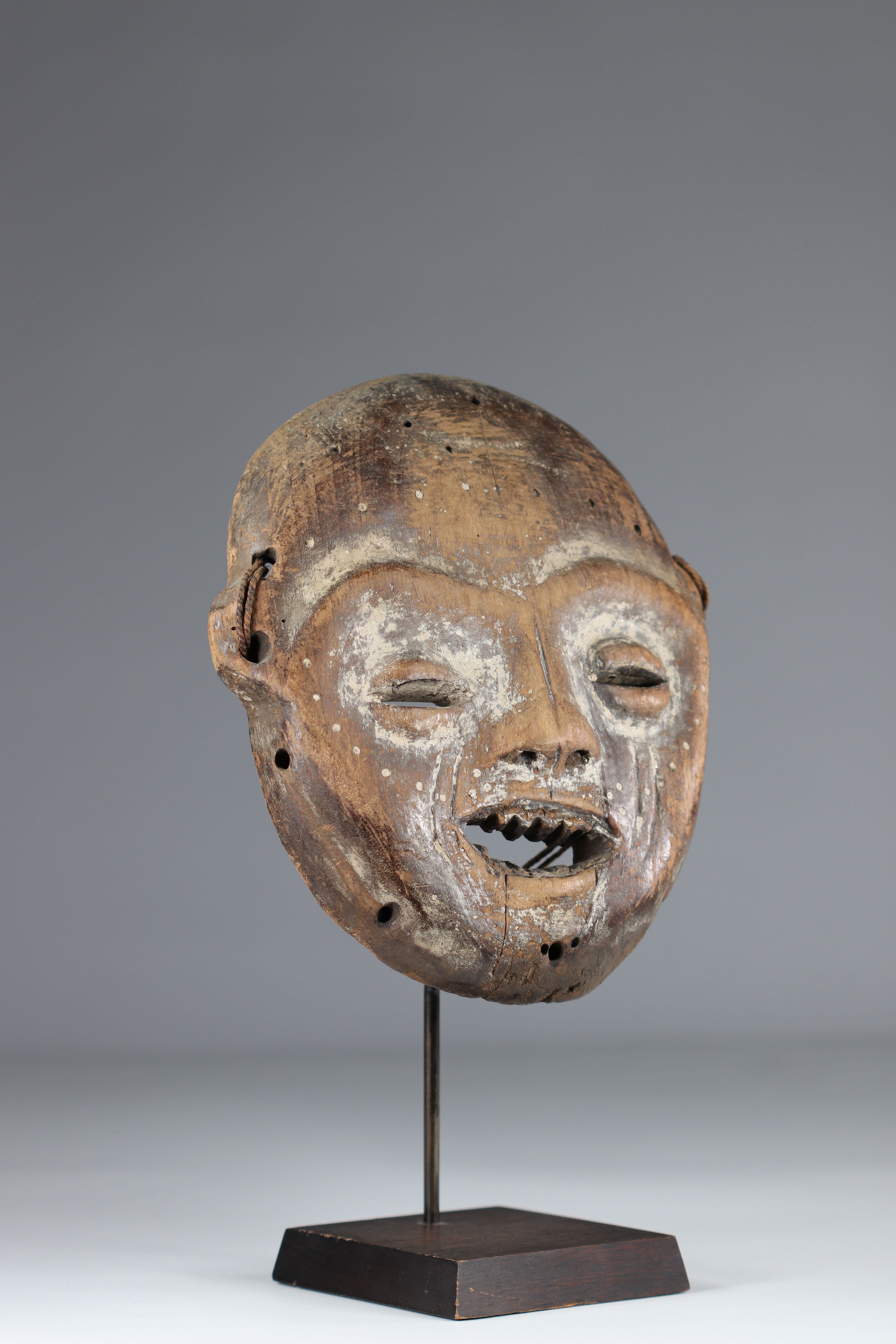Yela RDC mask mid20th private collection - Image 2 of 5