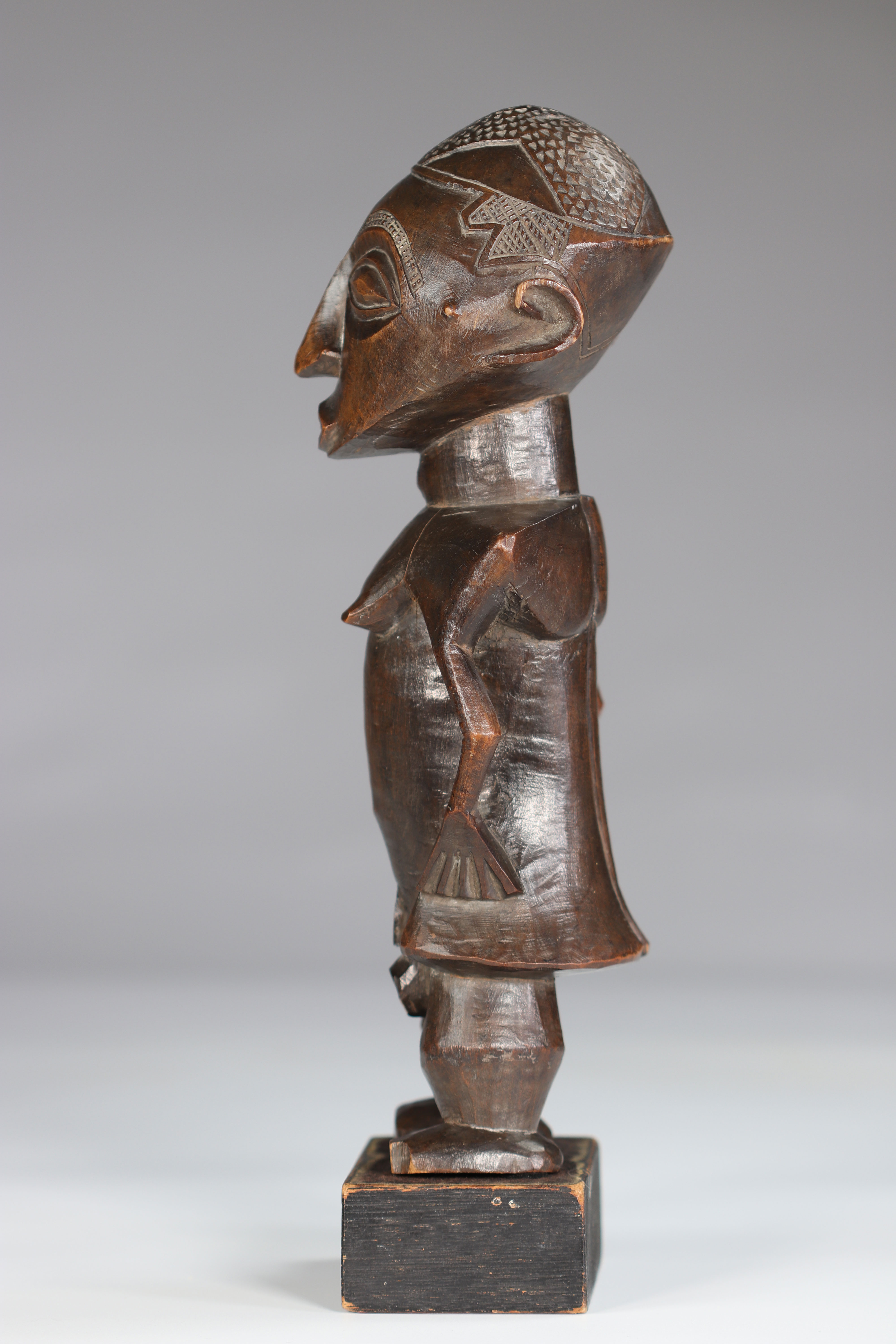 Rare Statue Wongo ca 1930 prov :, B. De Bruyn Netherlands. This high quality sculpture is distinguis - Image 4 of 5