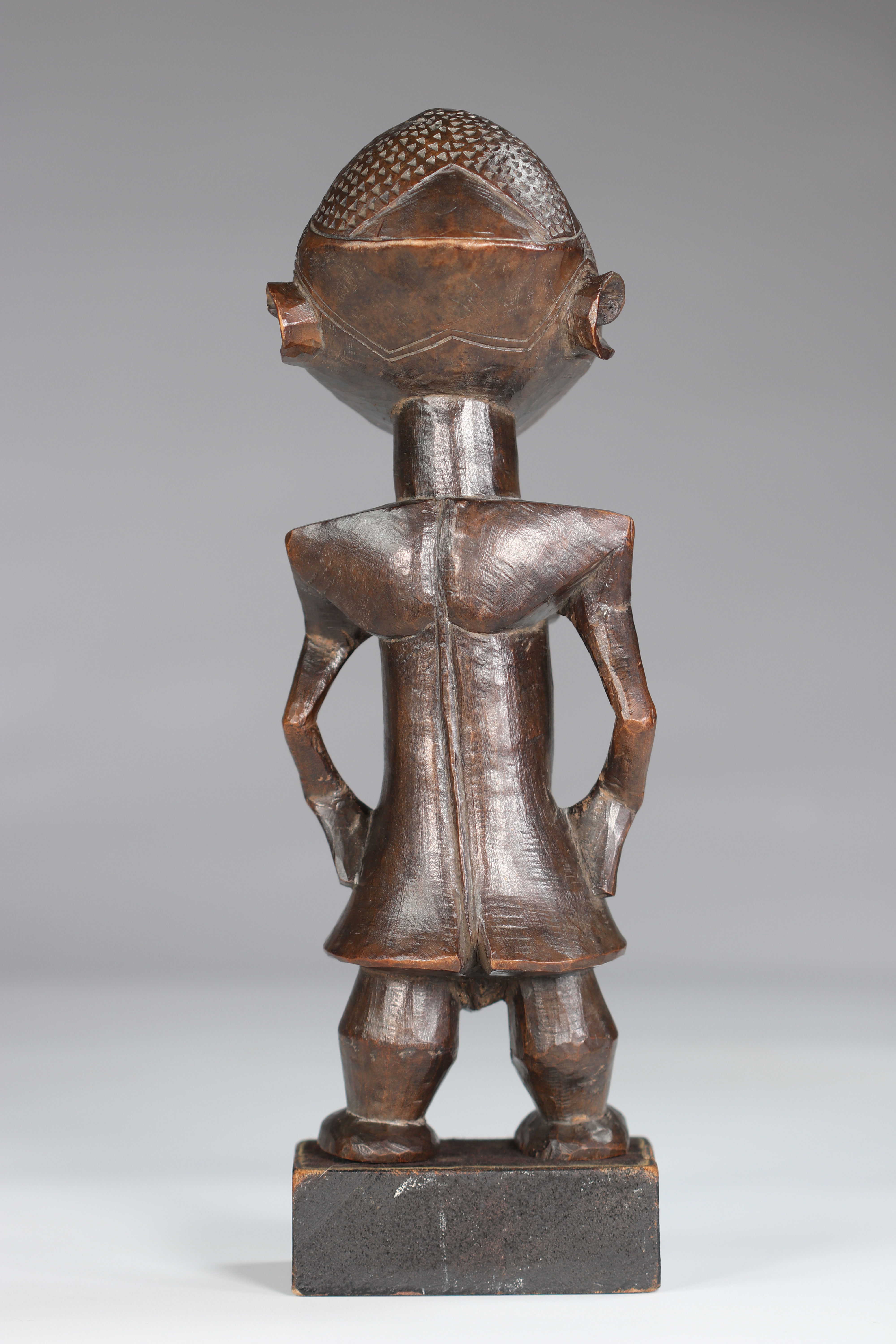 Rare Statue Wongo ca 1930 prov :, B. De Bruyn Netherlands. This high quality sculpture is distinguis - Image 5 of 5