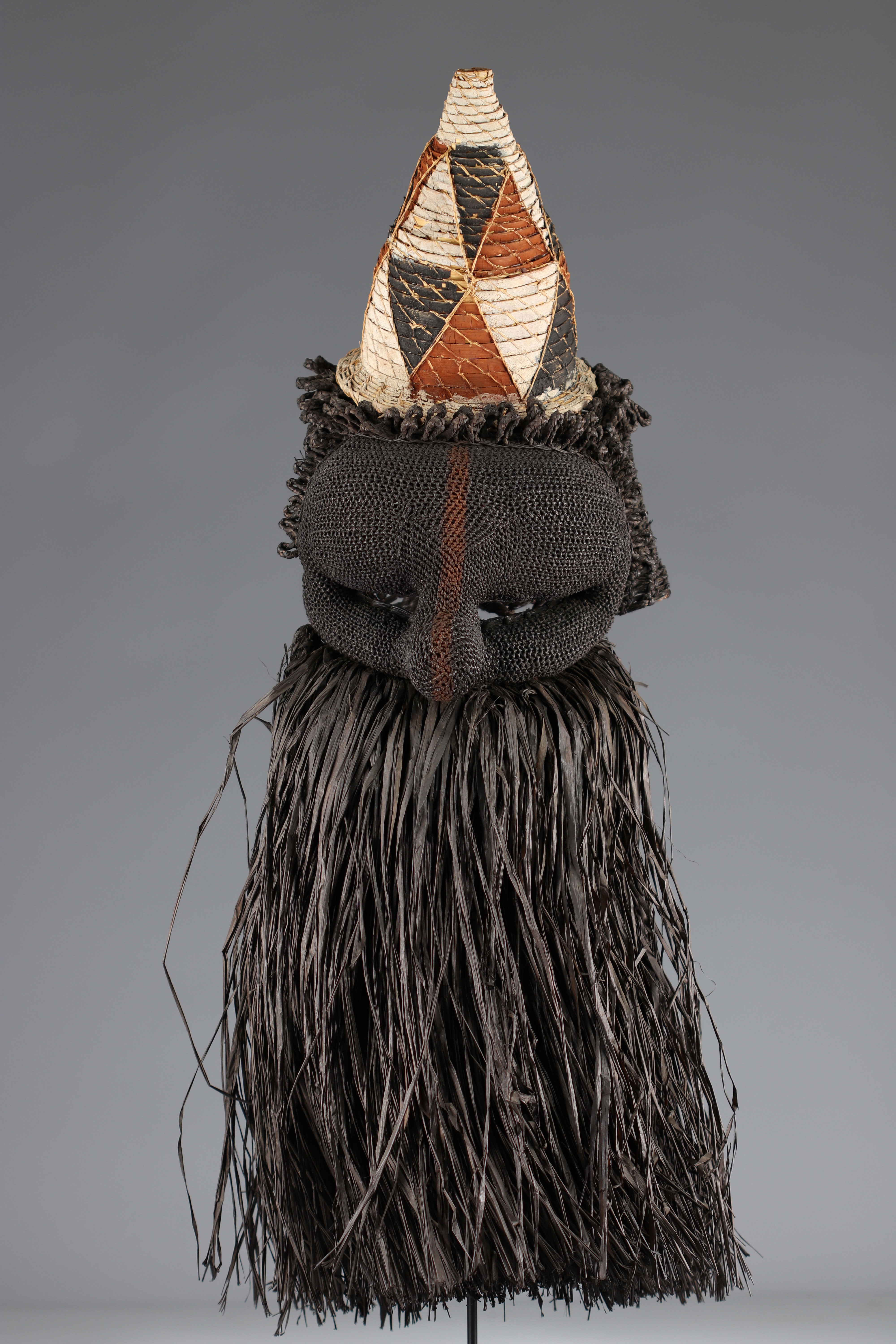 Salampasu mask in raffia, colonial collection - Image 2 of 4