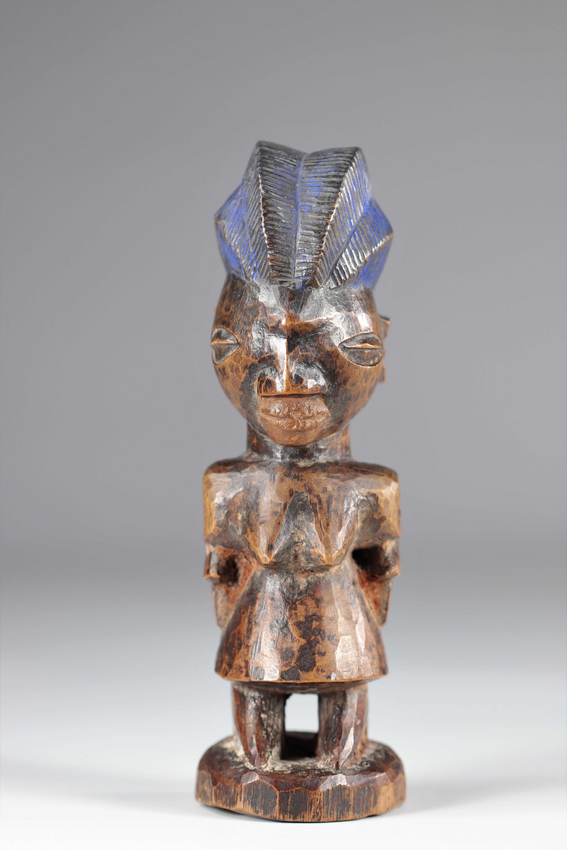 Ibedji statue - Yoruba - mid 20th century - ex: Voorhuis - Image 2 of 5