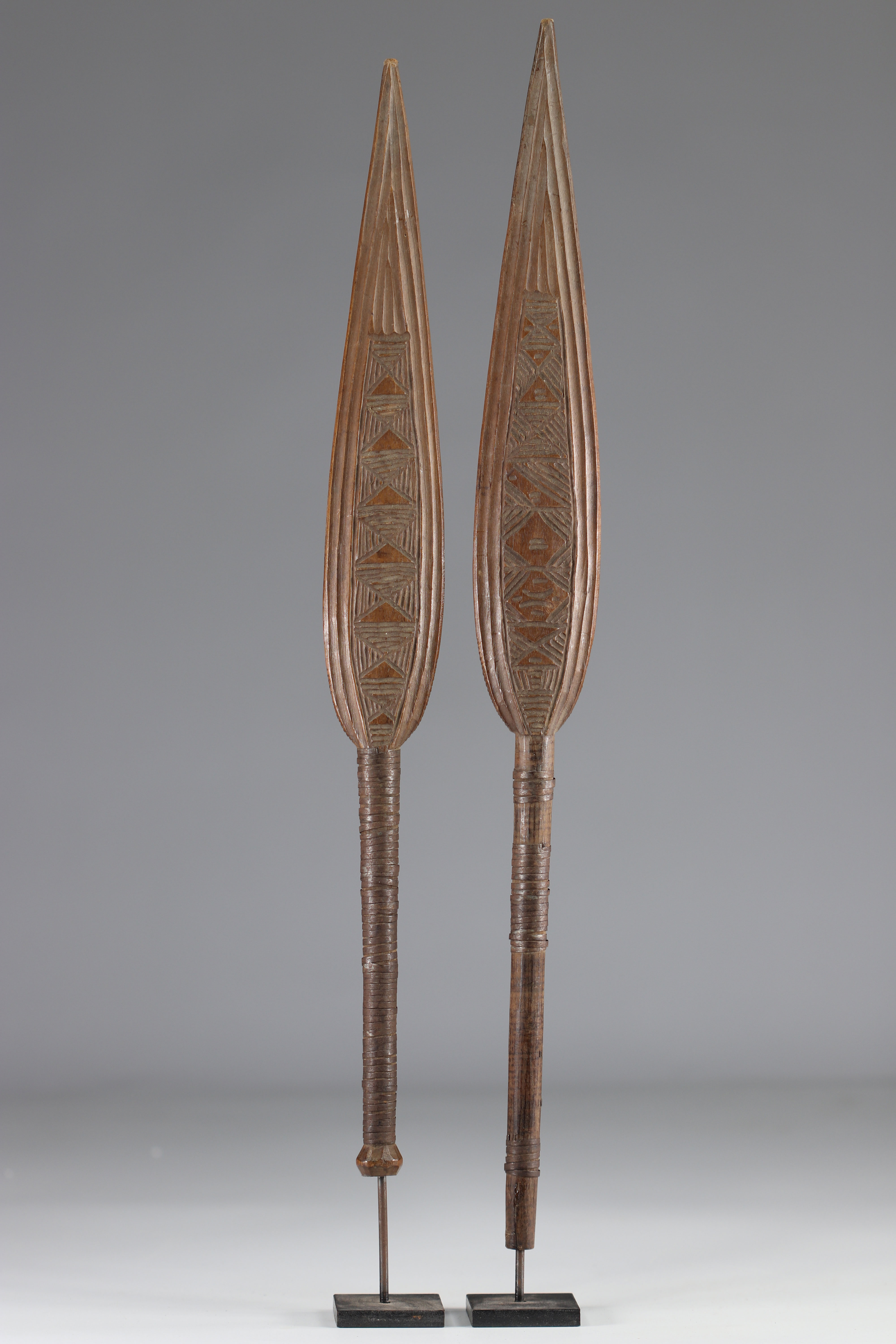Pair of dance paddles - early 20th century - DRC - Africa