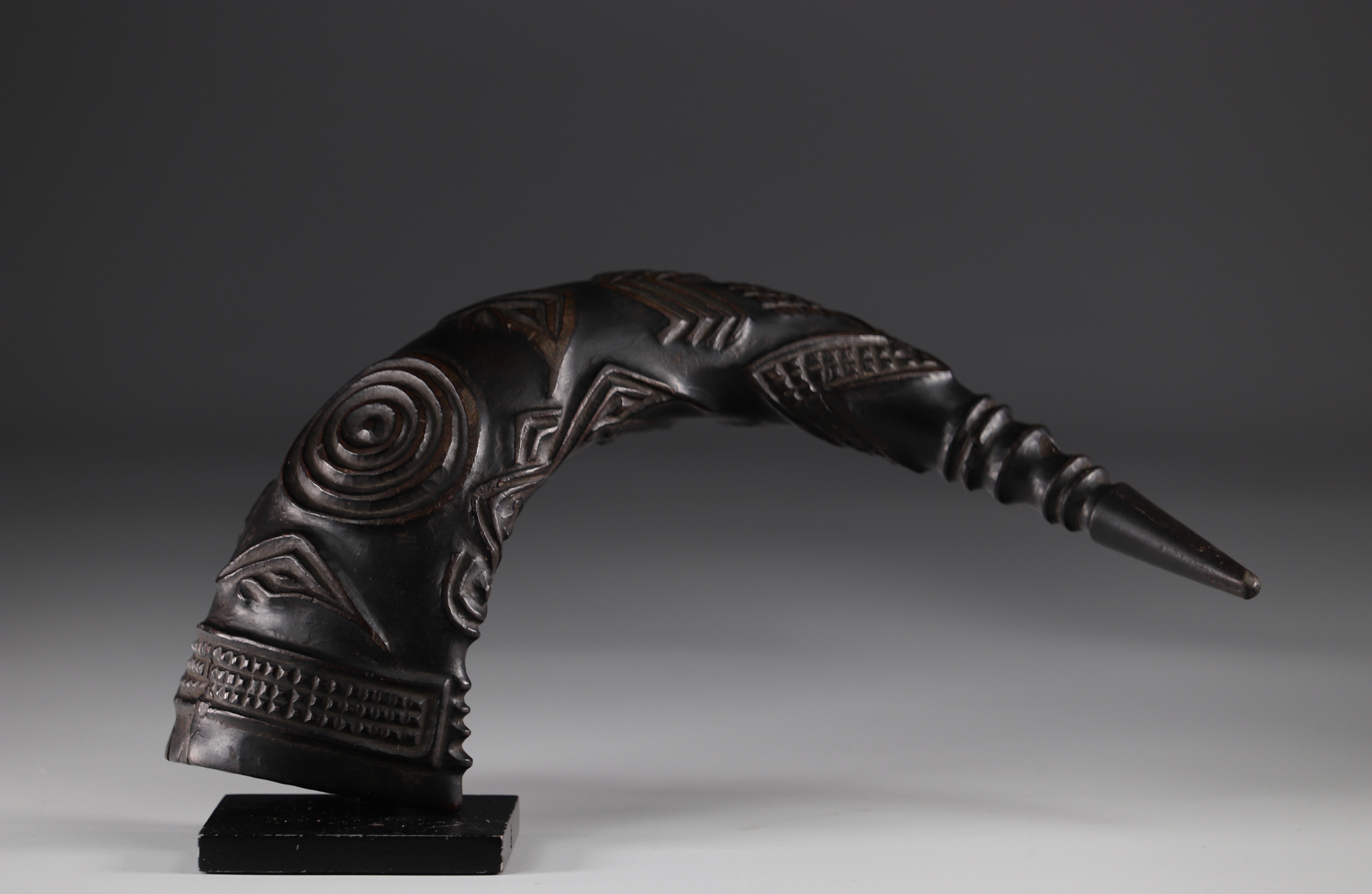 Horn carved with geometric Kuba shapes (attached photos 1916)