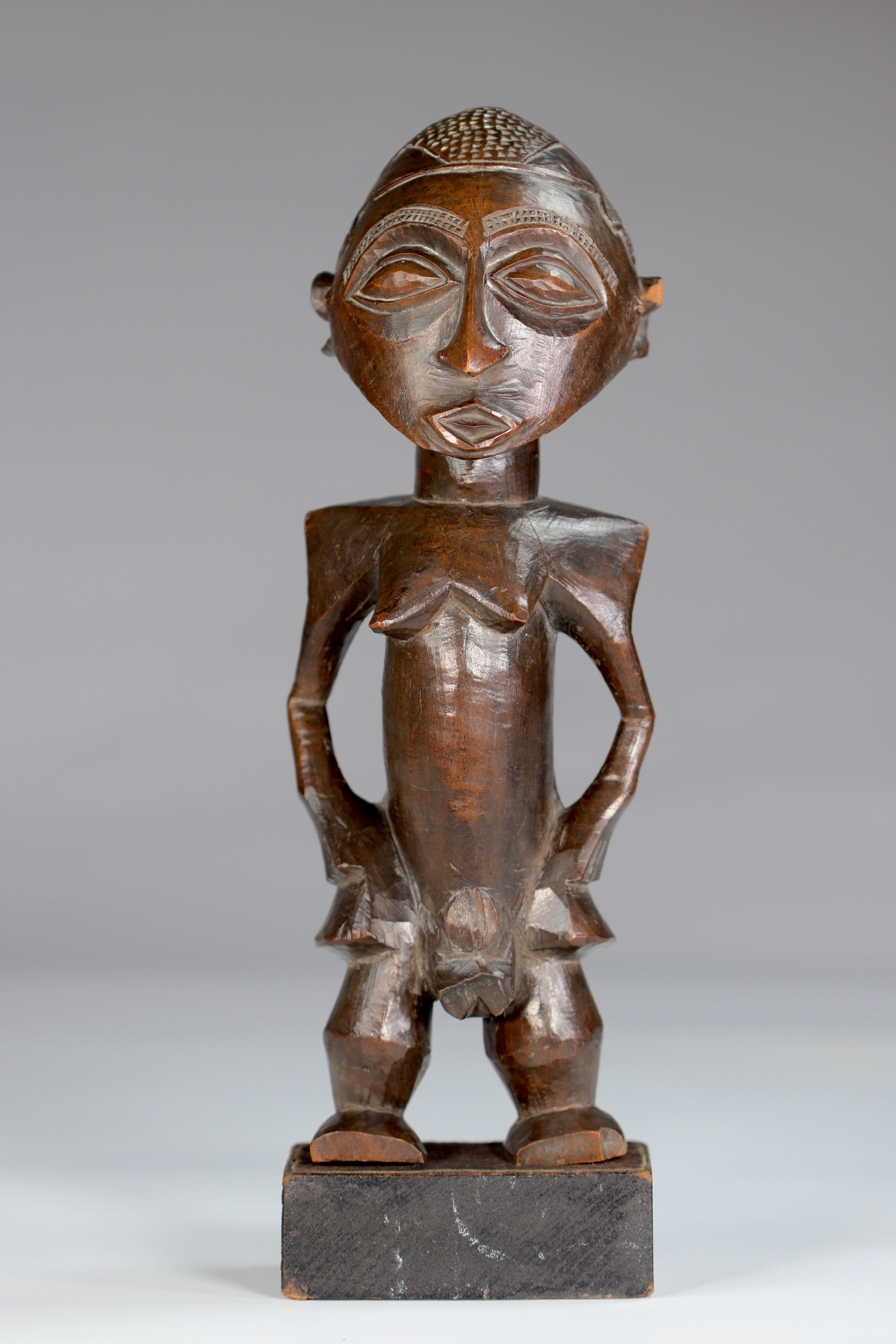 Rare Statue Wongo ca 1930 prov :, B. De Bruyn Netherlands. This high quality sculpture is distinguis - Image 2 of 5