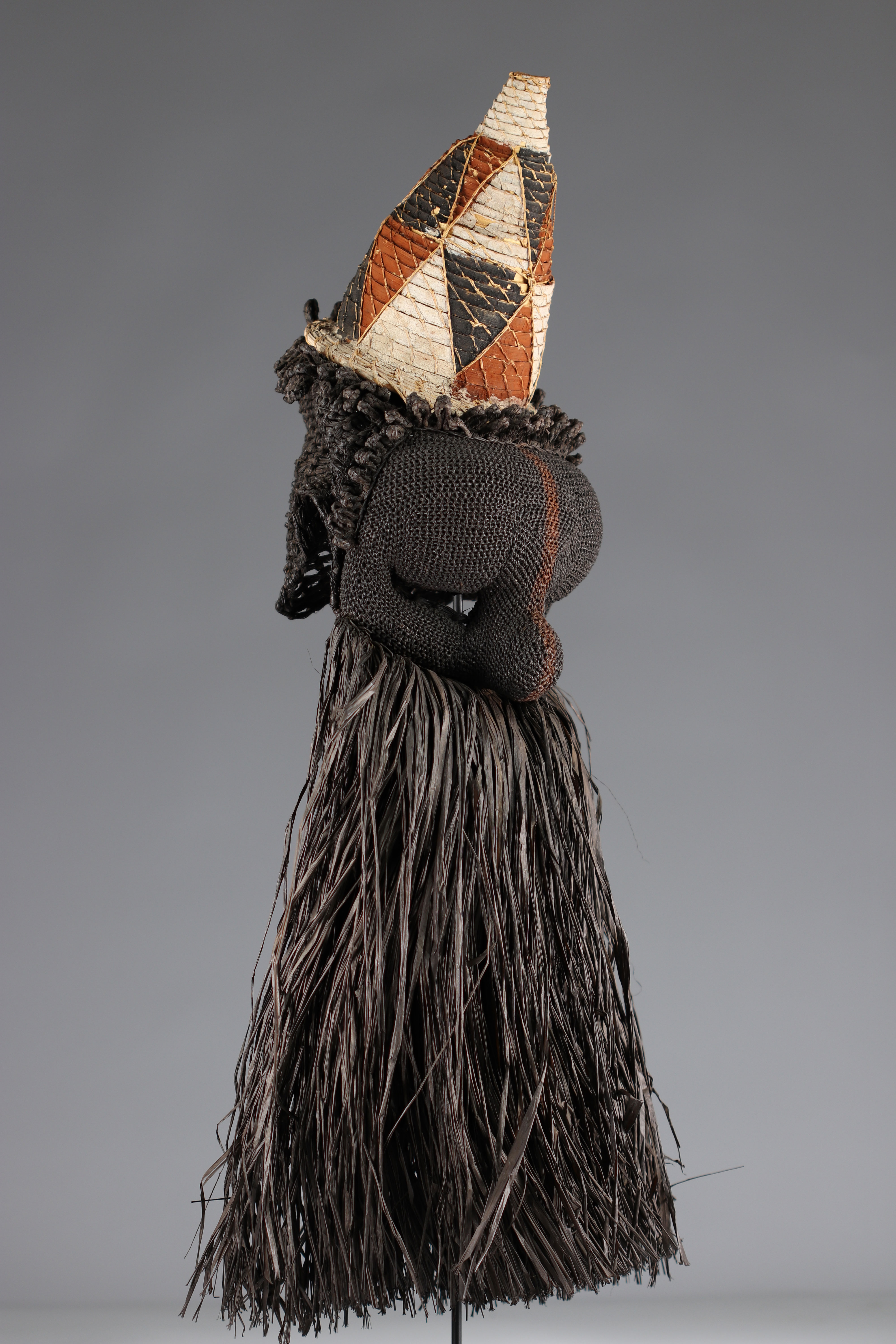 Salampasu mask in raffia, colonial collection - Image 3 of 4
