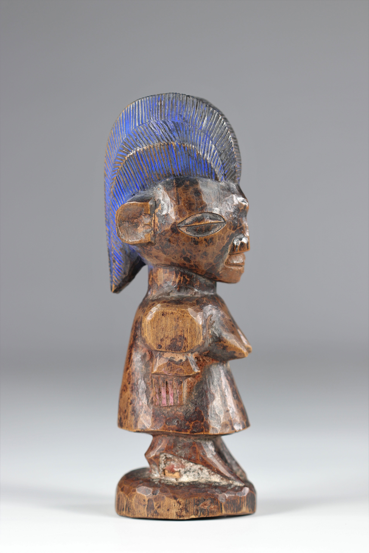 Ibedji statue - Yoruba - mid 20th century - ex: Voorhuis - Image 4 of 5