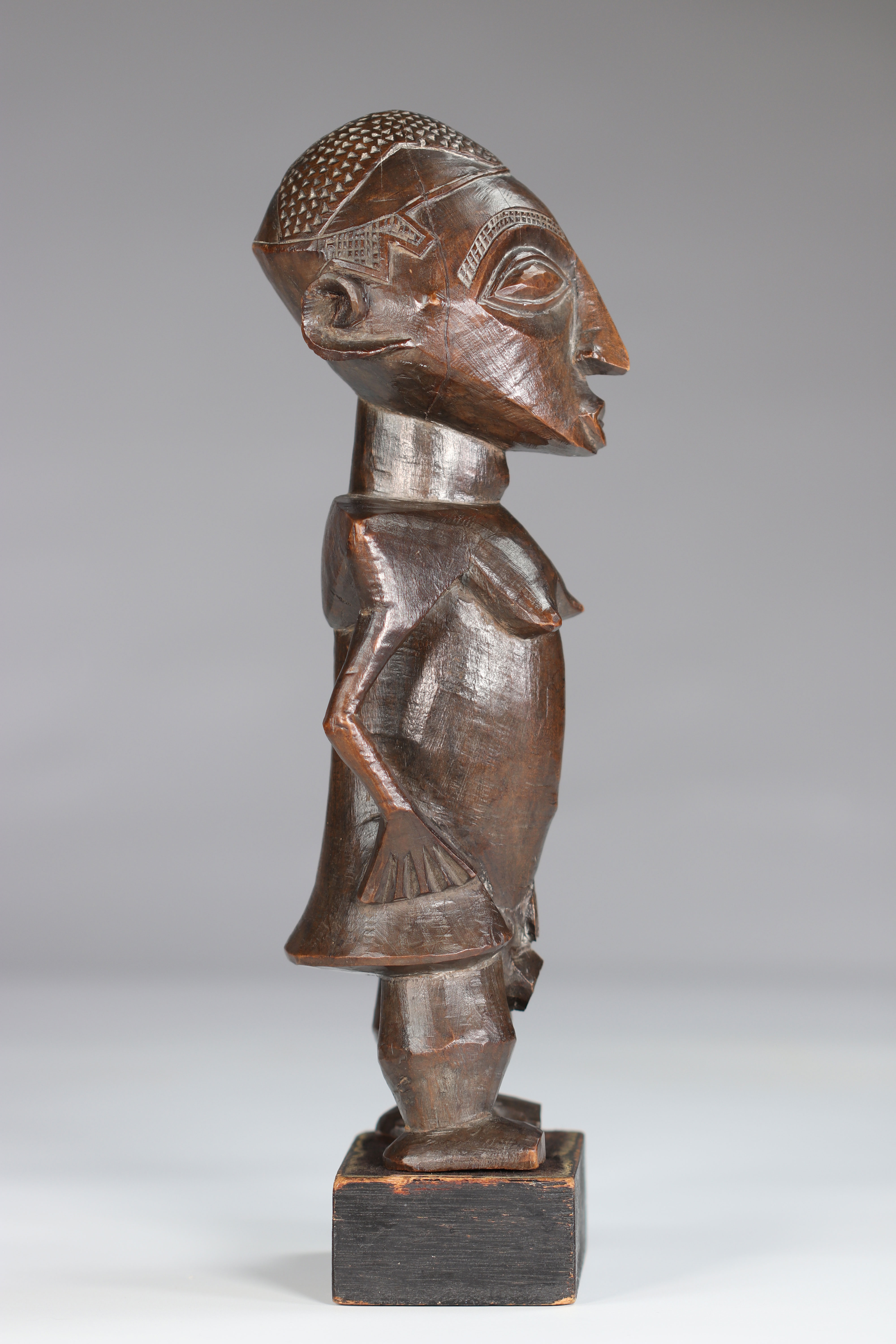 Rare Statue Wongo ca 1930 prov :, B. De Bruyn Netherlands. This high quality sculpture is distinguis - Image 3 of 5