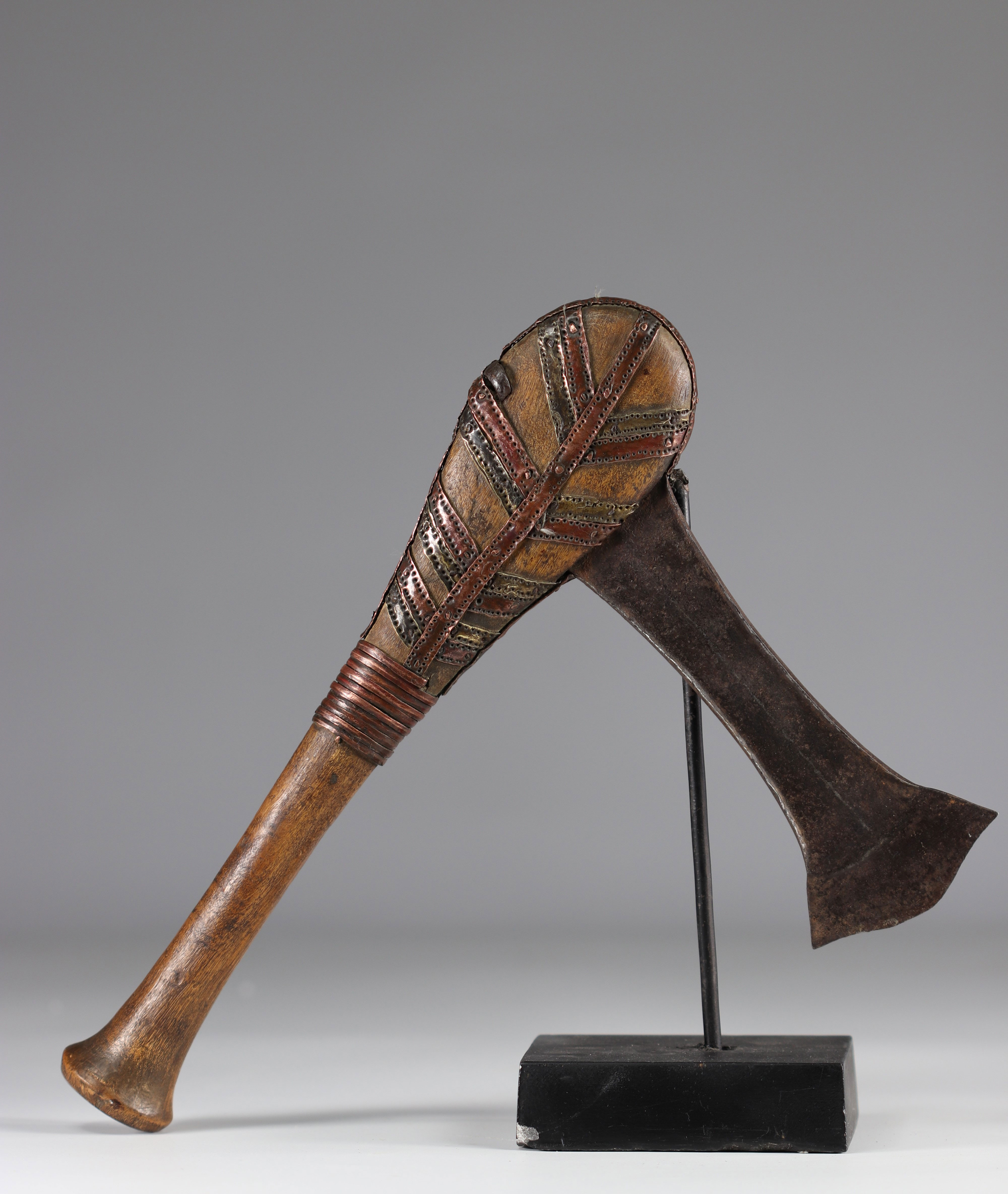 Tchokwe ax - early 20th century - DRC - Africa