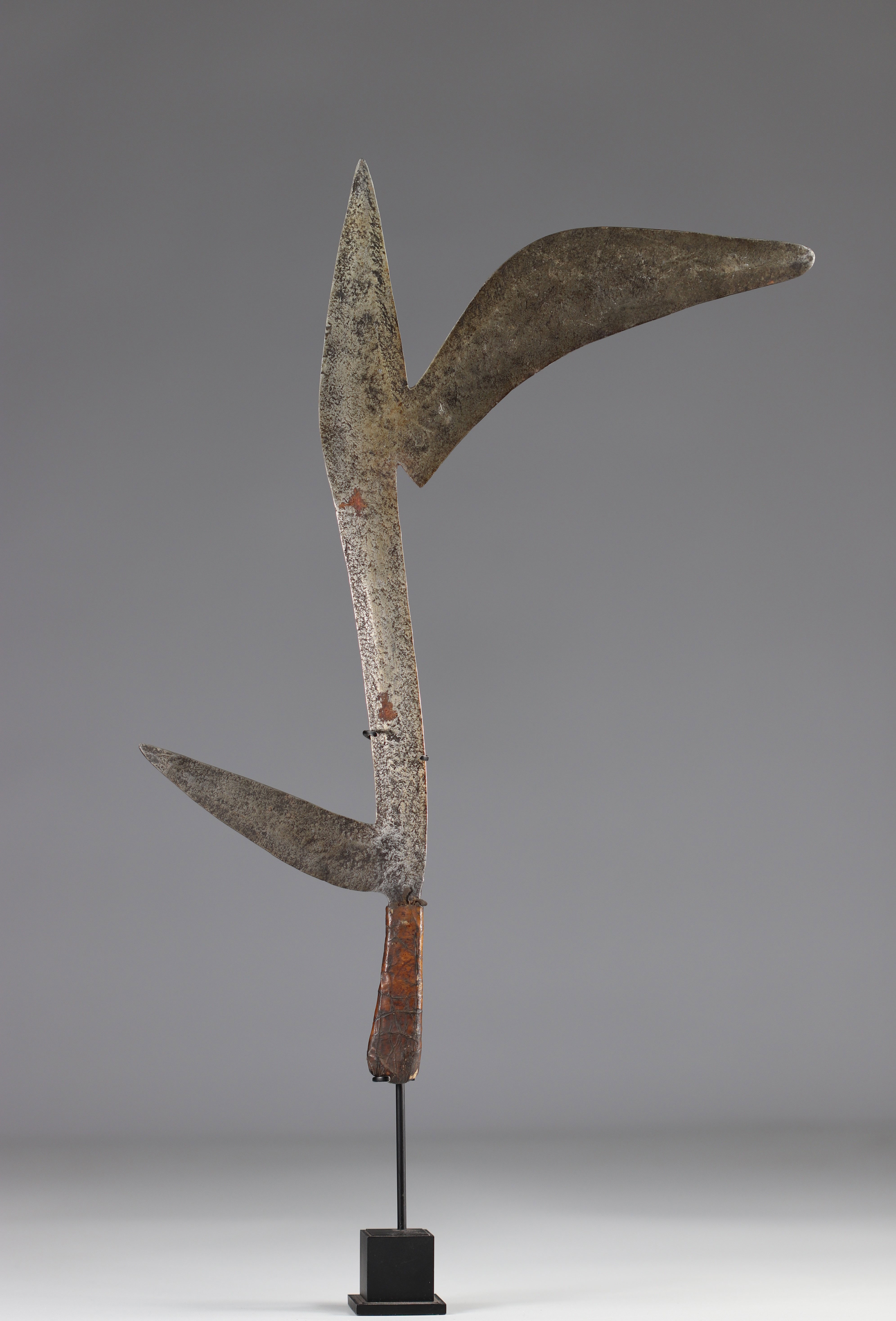 Bandia throwing knife early 20th century - ground floor - Image 2 of 2