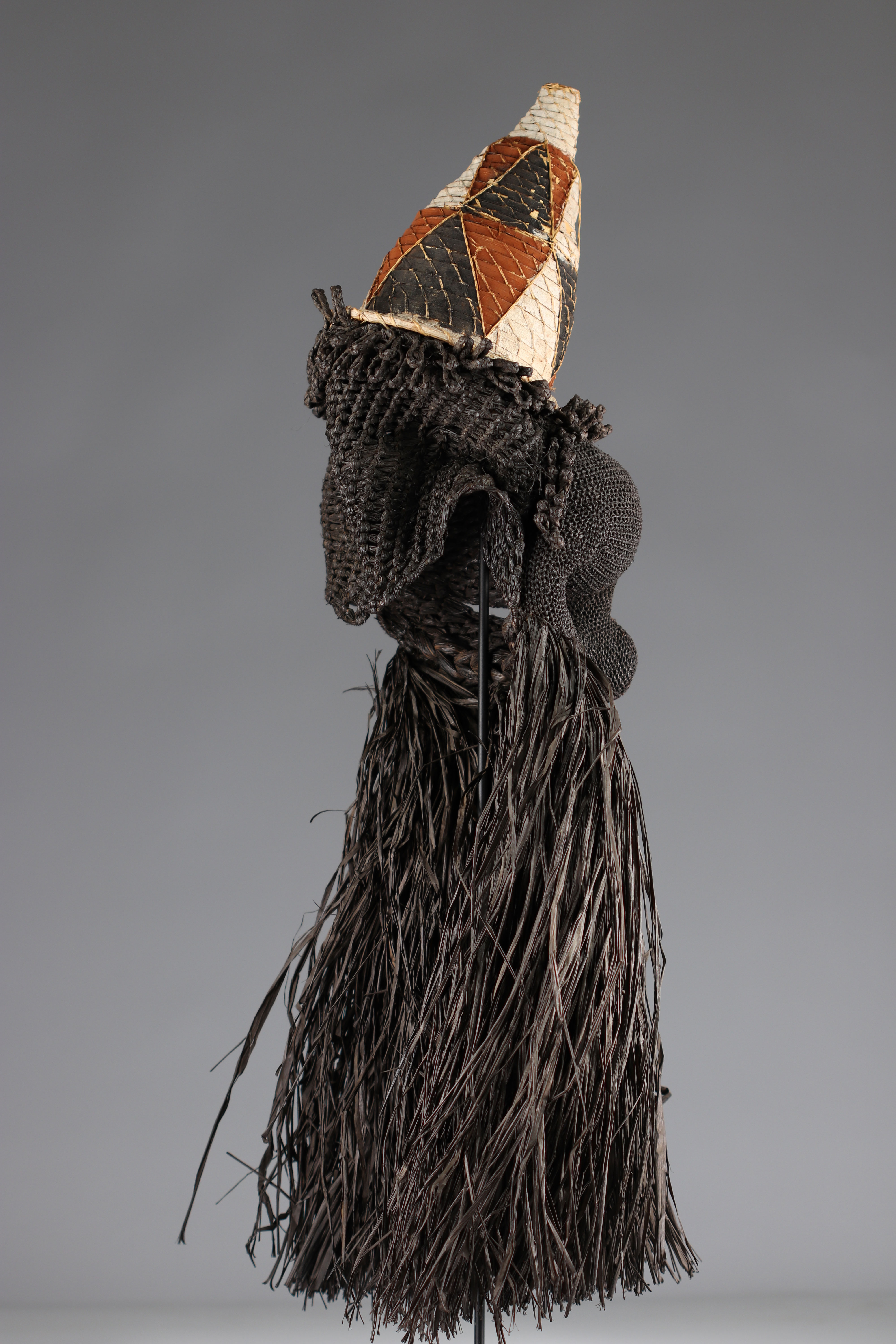 Salampasu mask in raffia, colonial collection - Image 4 of 4