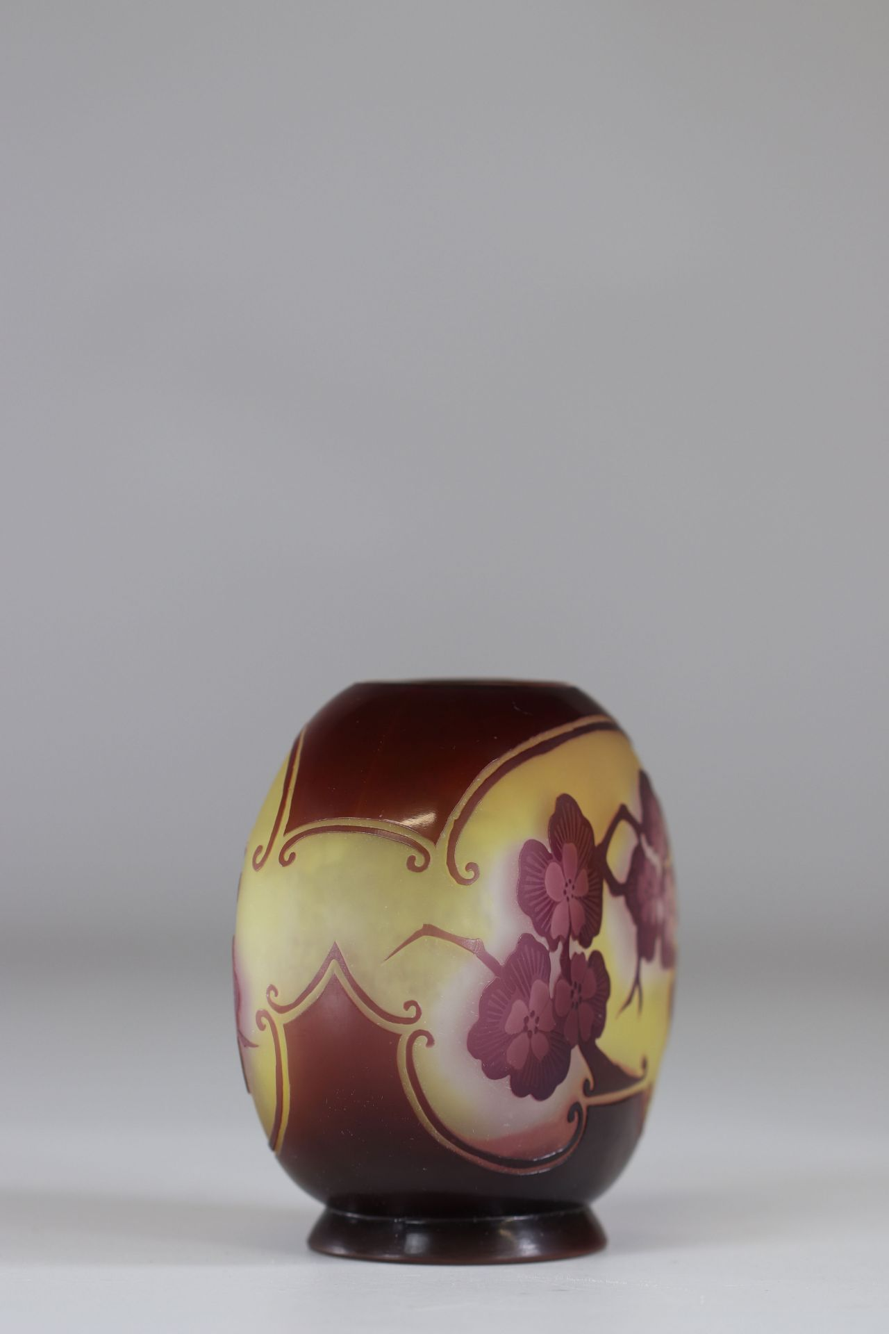 """Emile Galle Vase cleared with acid """"with apple blossoms"""" - Image 2 of 3"""
