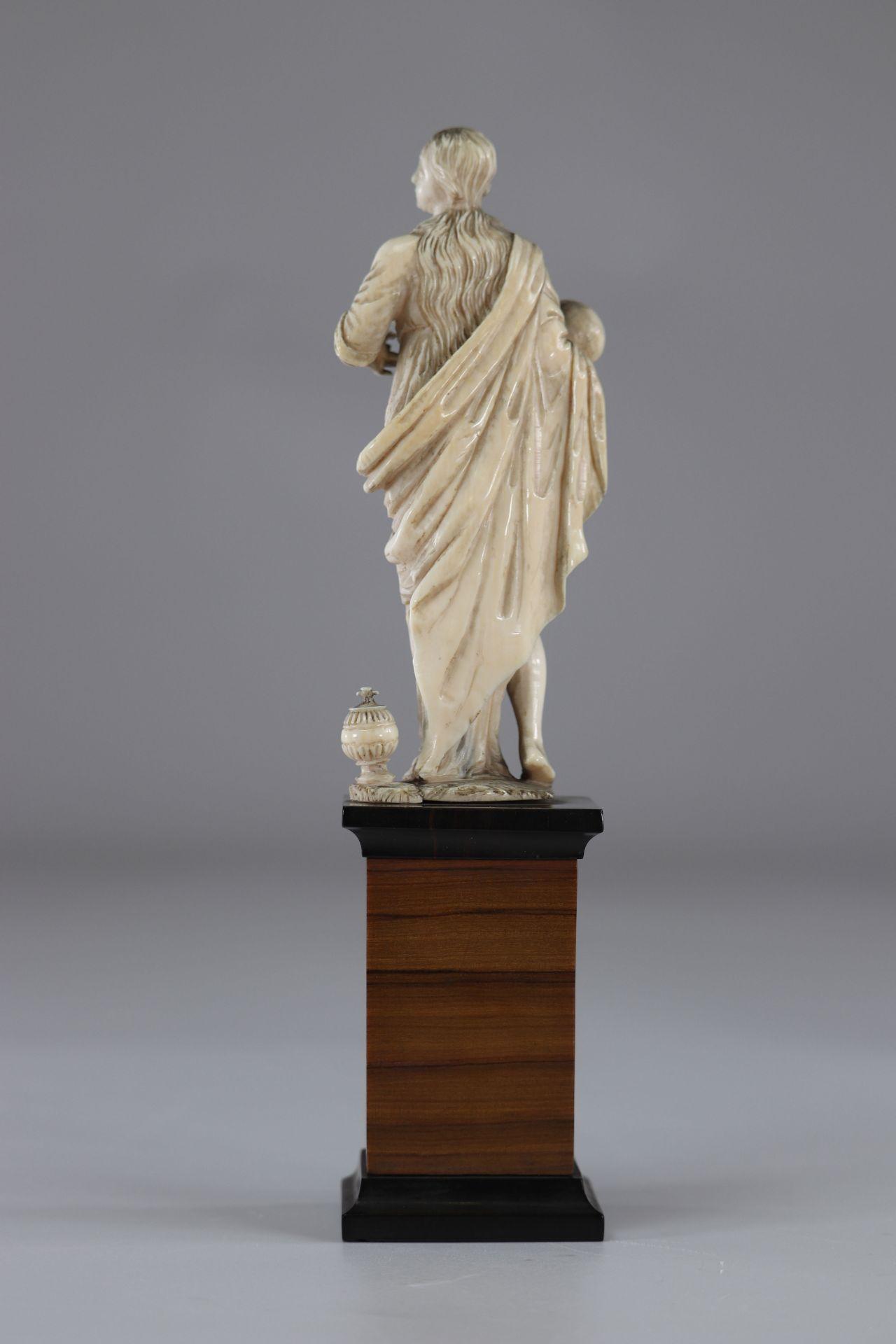 Carved vanity France 17th - Image 3 of 4