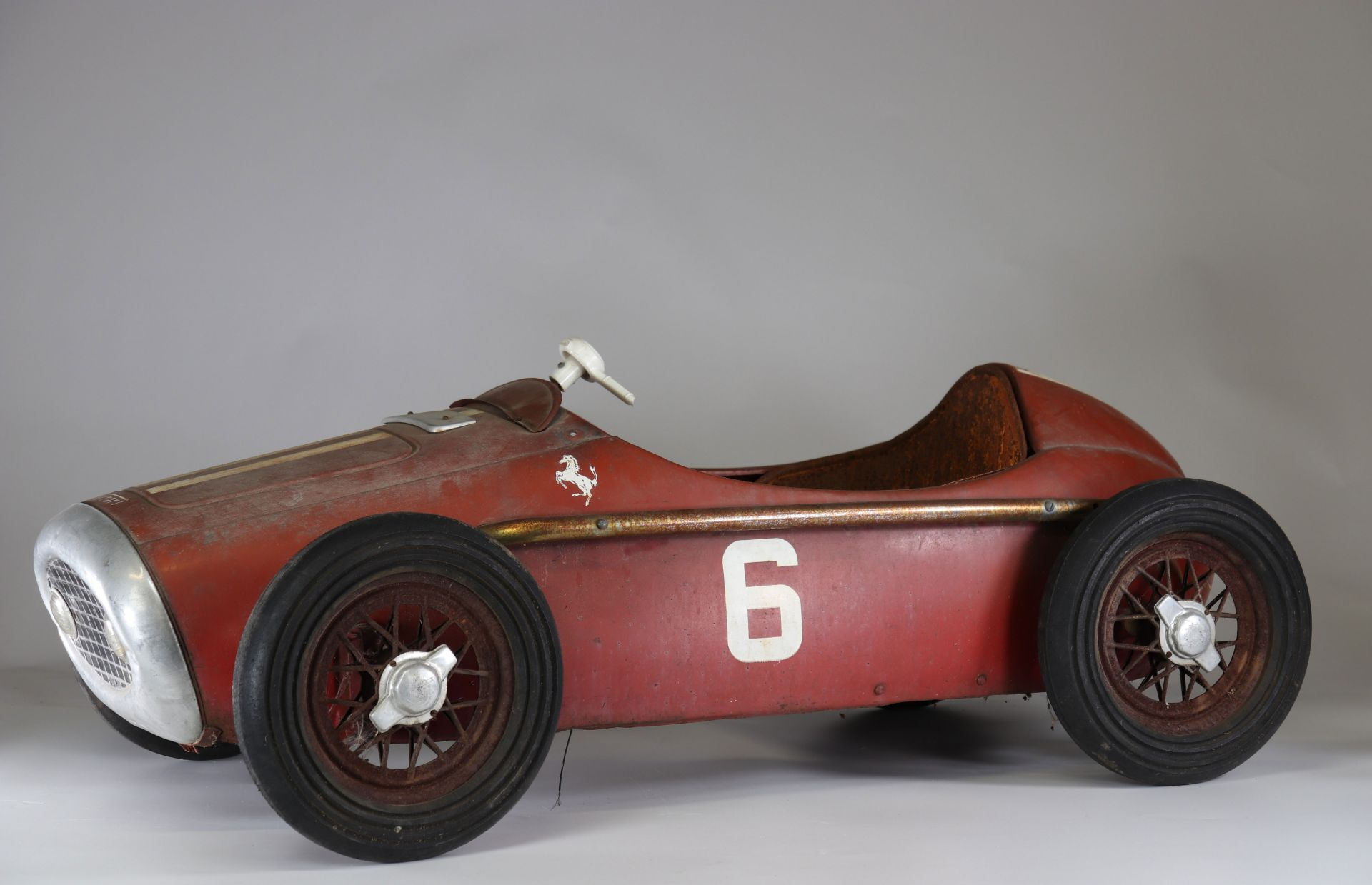 Old Ferrari pedal car - Image 2 of 2