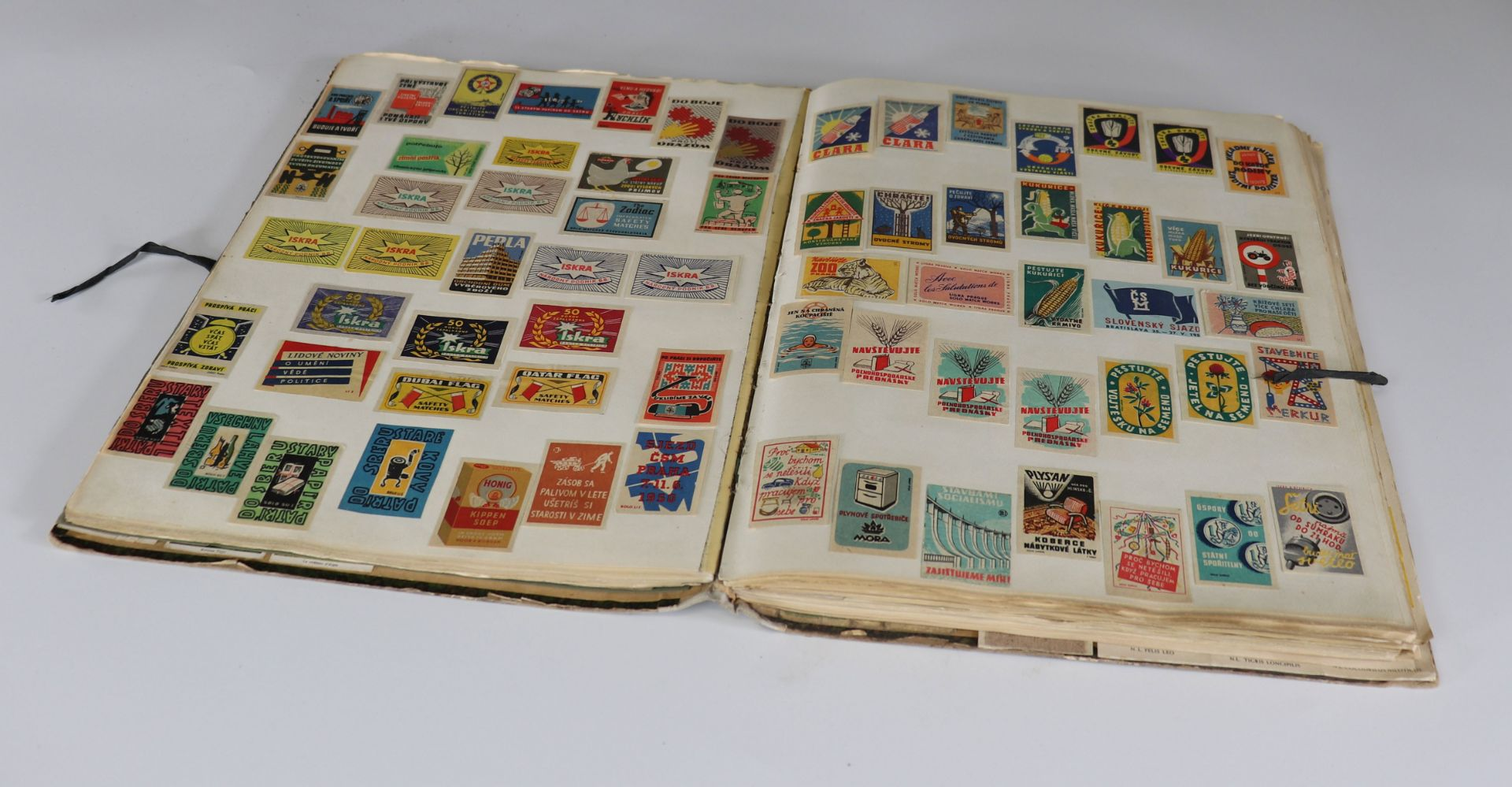Collection of matchboxes (10 albums) China, Russia, America ... - Image 4 of 6