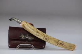 Japanese snuff box and pipe Edo period