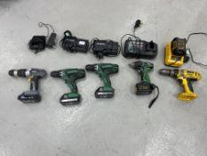 Battery hand tools to include 2 x Hitachi DV18 DGL cordless combi drills, 1 x Titan T1-526com