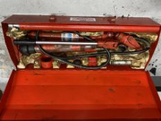 Sealey Super Snap Hydraulic Strongarm body frame repair kit including hand operated power pack and