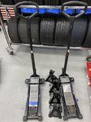 Halfords advanced hydraulic trolley jack, 2 tonne capacity (Qty.2). Including Halfords advanced 2