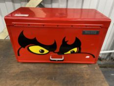 Tengtools TMO35NF 6 drawer toolbox including the following tools, hammer, grips, adjustable spanner,