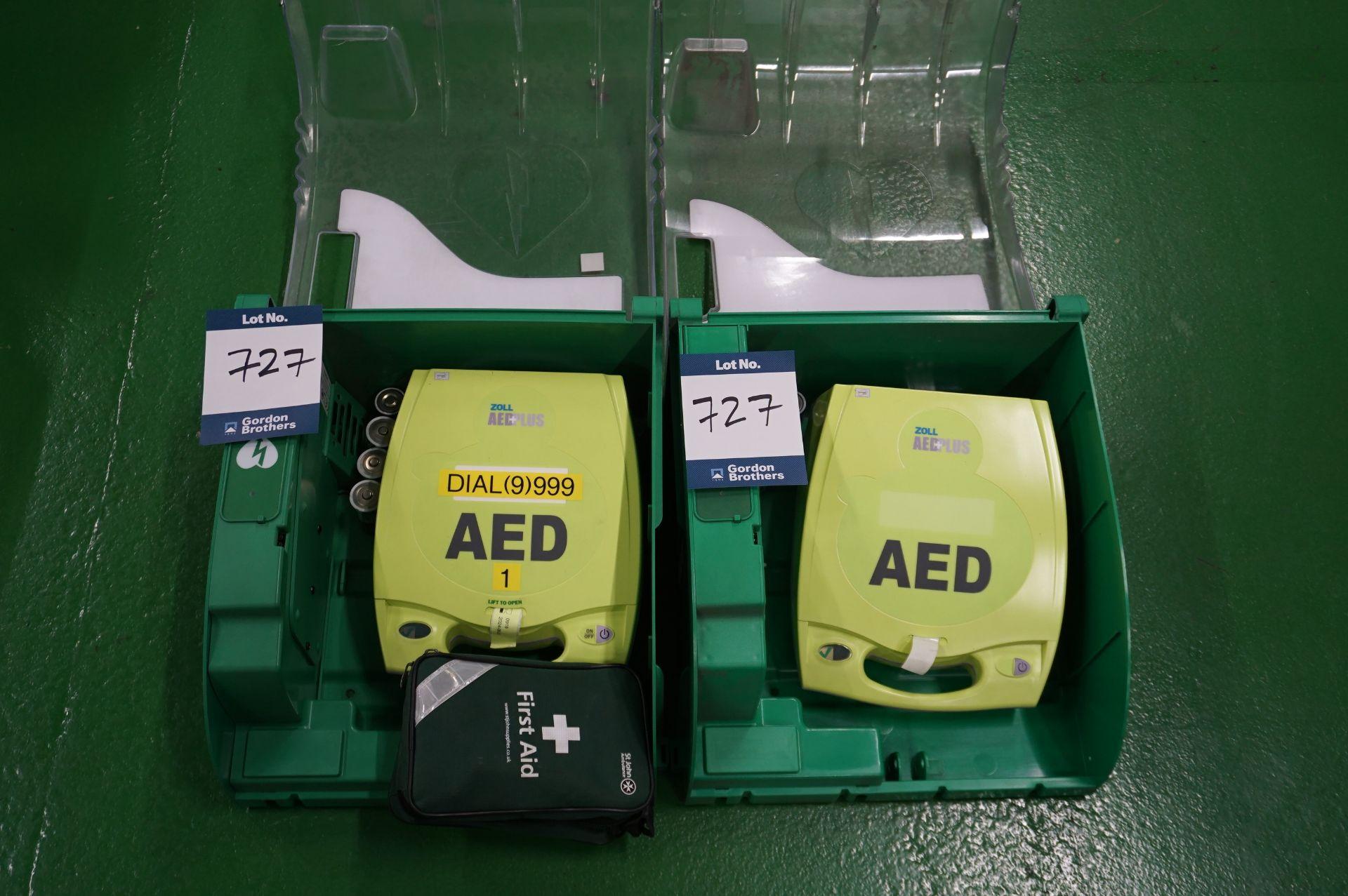 2 x Zoll AEDPLUS Avia 100:X2A100-XX100 battery operated defibrillator