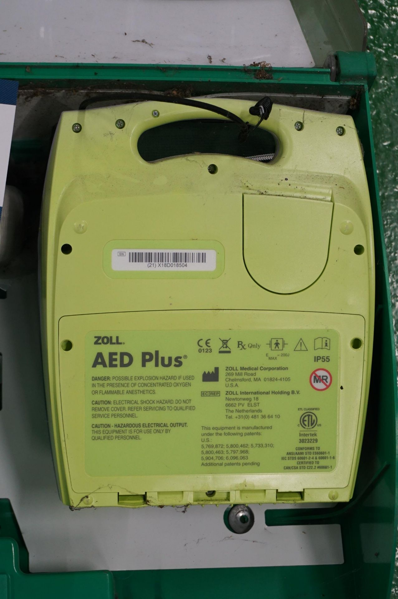 1 x Zoll AEDPLUS Avia 100:X2A100-XX100 battery operated defibrillator and 1 x Zoll AEDPLUS X18D01850 - Image 3 of 3