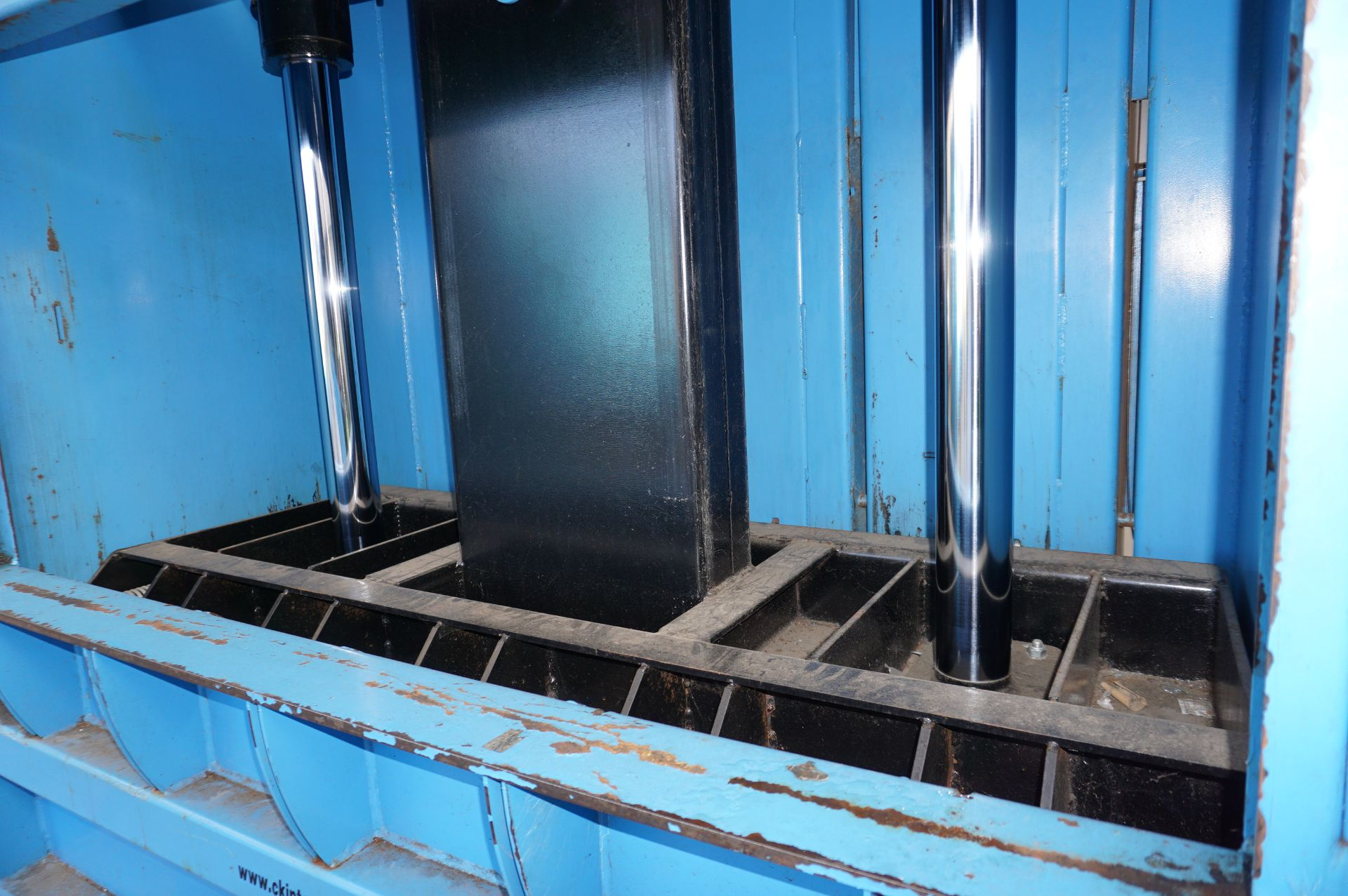 FuturFirst CK500WLUD hydraulic general waste compactor with CK international control unit - Image 4 of 5