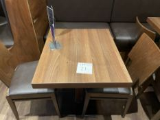 TABLE 700 x 700 - 2 Chairs